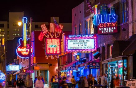 A smart method to find the best blues bars in Memphis
